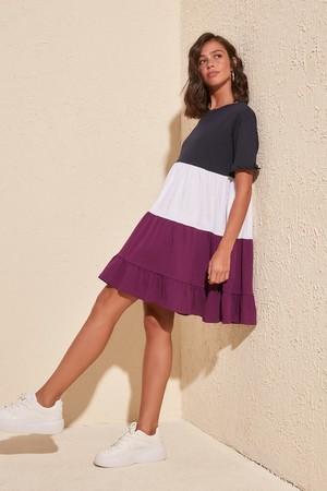 TRENDYOLMİLLA Lacivert Renk Bloklu Örme Elbise TWOSS20EL1638