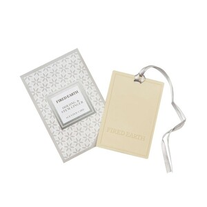 Молочный улун и имбирь Wax Lyrical ароматическая карточка