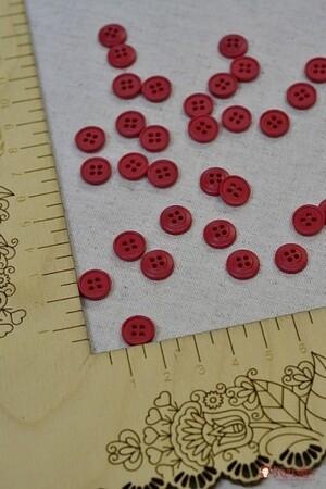 Пуговица пластмасса, цв. малиновый, 10 мм, 4 отверстия