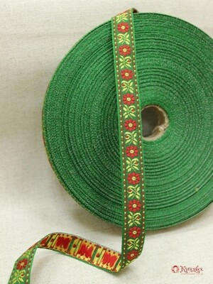 Жак. лента 18мм Желто-красные цветы на зеленом