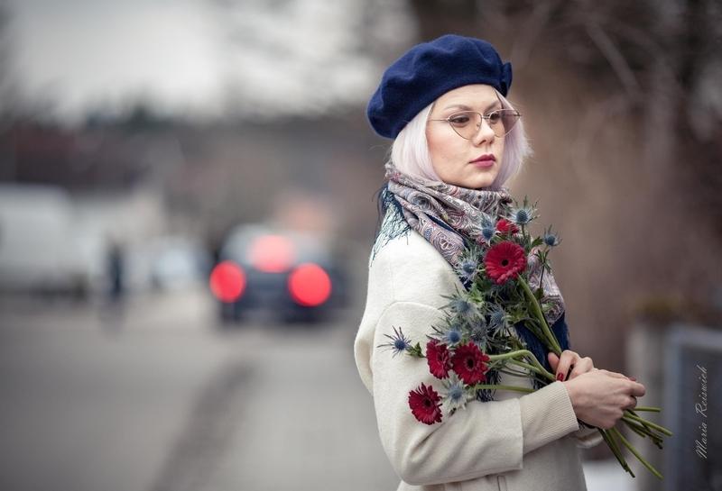 Павловопосадские платки. Красота и женственность - в тонком узоре...